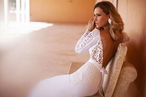 Соблазнительные свадебные платья с открытой спиной
